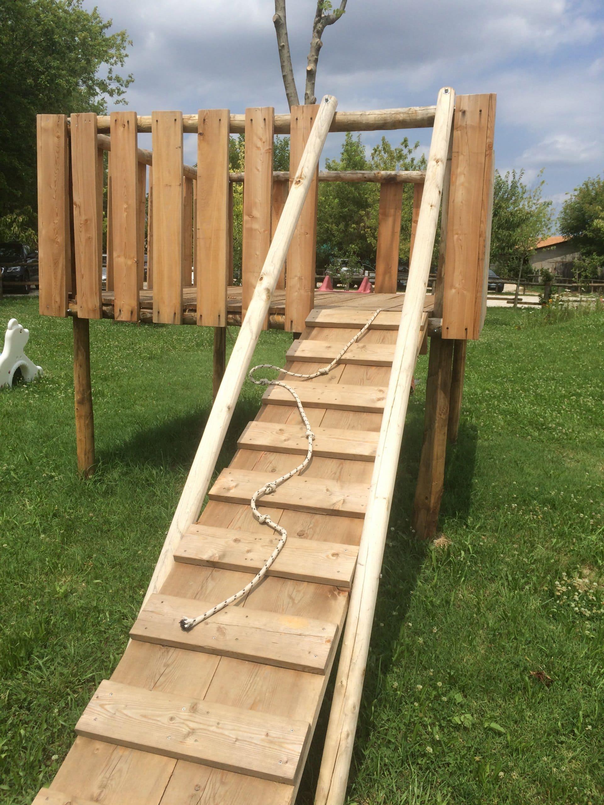 Giochi da esterno per bambini dese legnami for Cancelletto bambini da esterno
